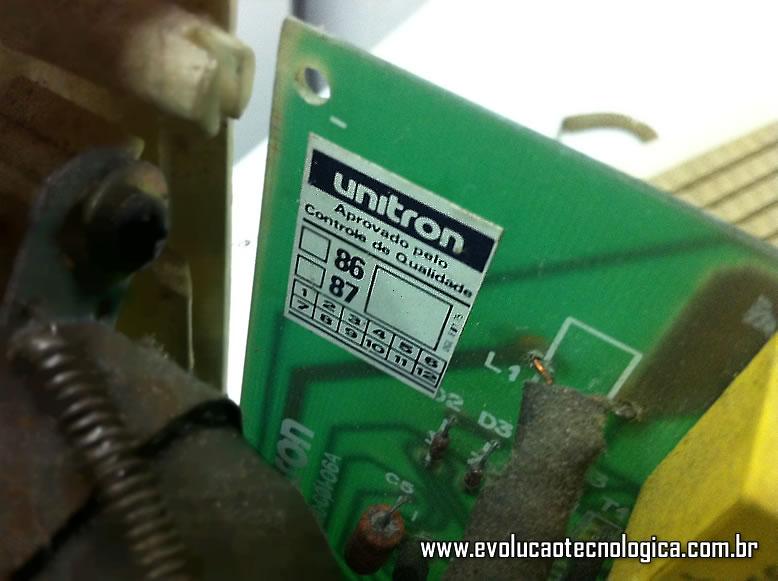 Unitron Mac 512 - etiqueta interna