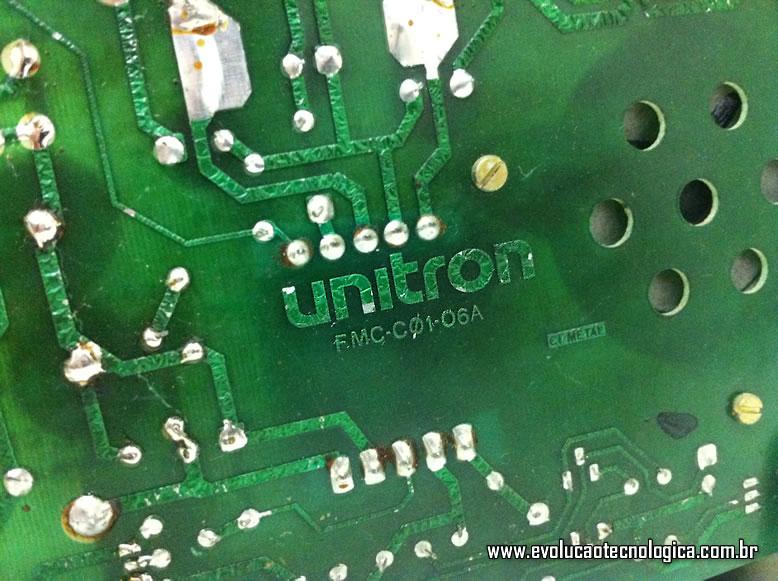 Unitron Mac 512 - inscrição na placa de circuito impresso